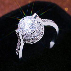 Round Cut White Sapphire .925 Silver Ring